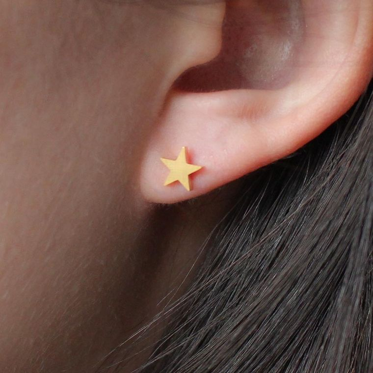 Smooth Star Studs - Gold