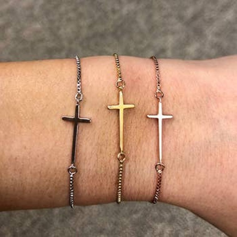 Cross Slider Bracelet Gold