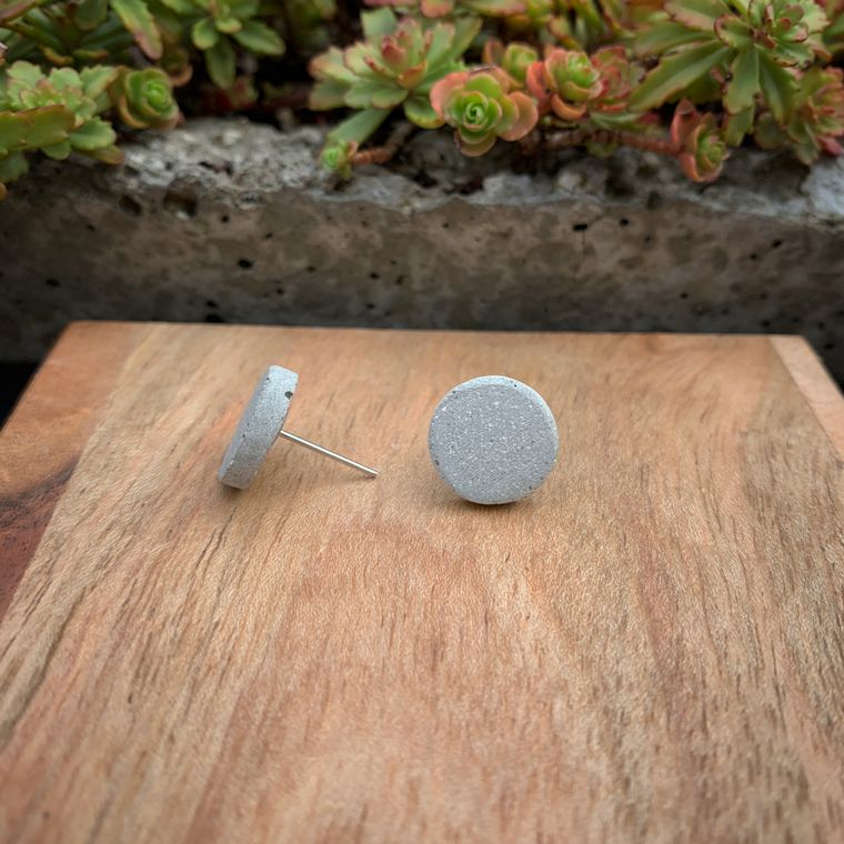 CONCRETE CIRCLE STUD EARRINGS-ROUND, NATURAL, MINIMALIST