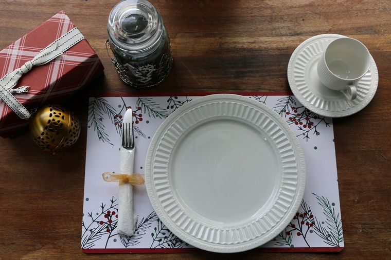 Holiday - Holly Paper Placemats
