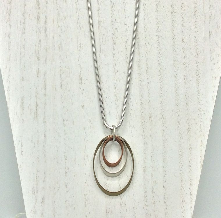 Ovals Pendant Necklace