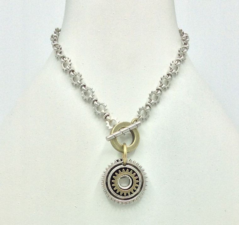Chunky Gear Toggle Necklace