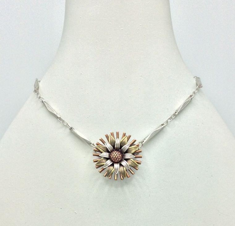 Flower Necklace - 4724