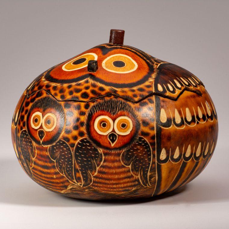 Owl Mom & Chick - Medium Carved Gourd Box