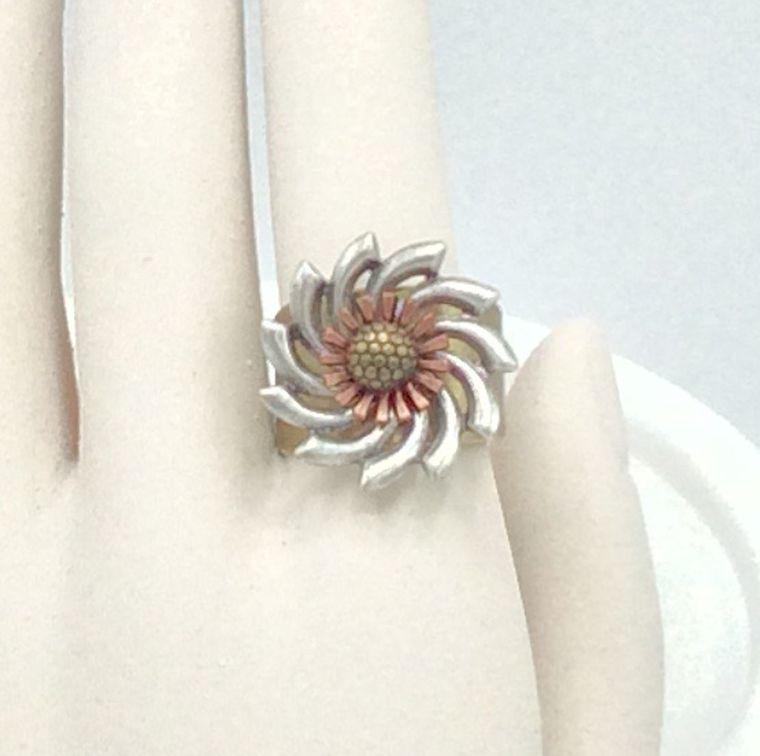 2-tone Adjustable Flower Ring - R40