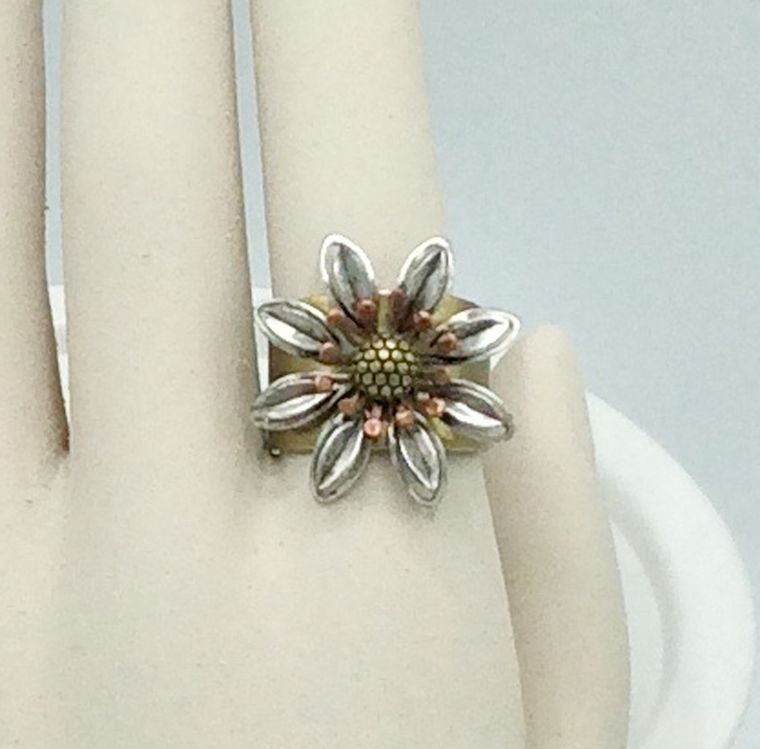 Edelweiss Adjusable Ring - R28