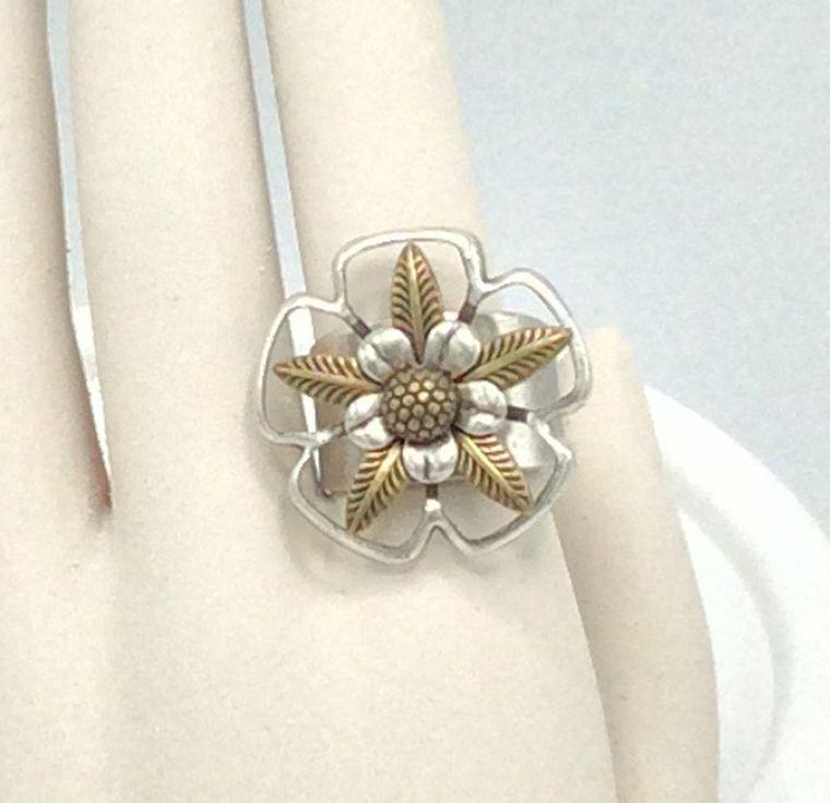 Adjustable Flower Ring - R33