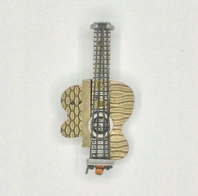 Picasso Guitar Pin - 2120