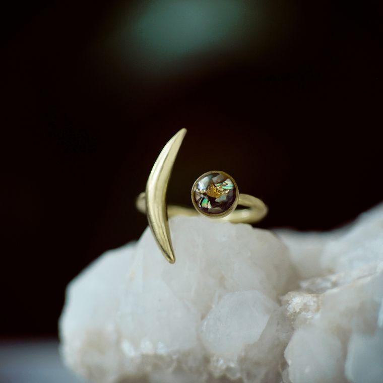 Abalone Shell Slender Moon Ring