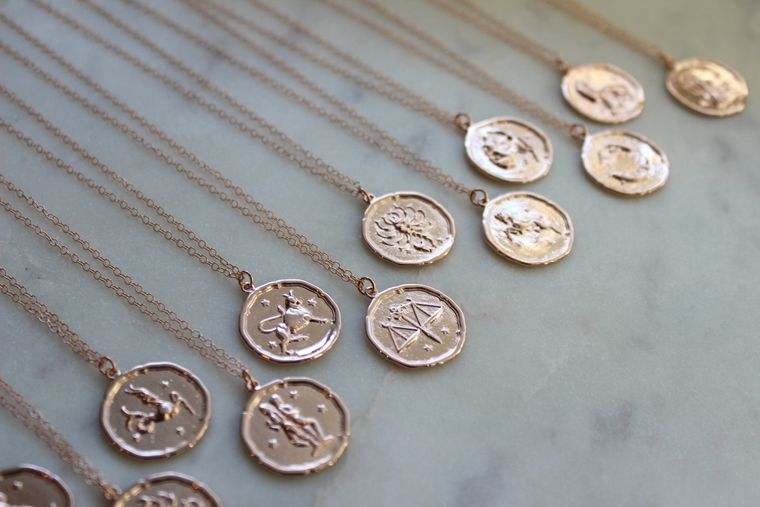 Rose Gold Zodiac Necklace, Zodiac Coin Necklace, Zodiac Disc Necklace, Zodiac Jewelry, Celestial Jewelry, Zodiac Sign Necklace, Horoscope