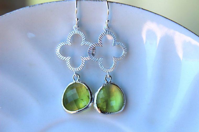 Peridot Earrings Apple Green Silver Clover Earrings - Peridot Bridesmaid Earrings - Bridal Earrings - Apple Green Wedding Earrings