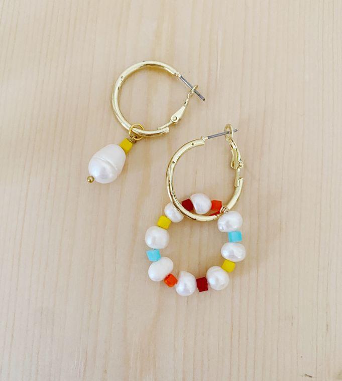 Asymmetrical Mismatch Pearl Hoop Earrings