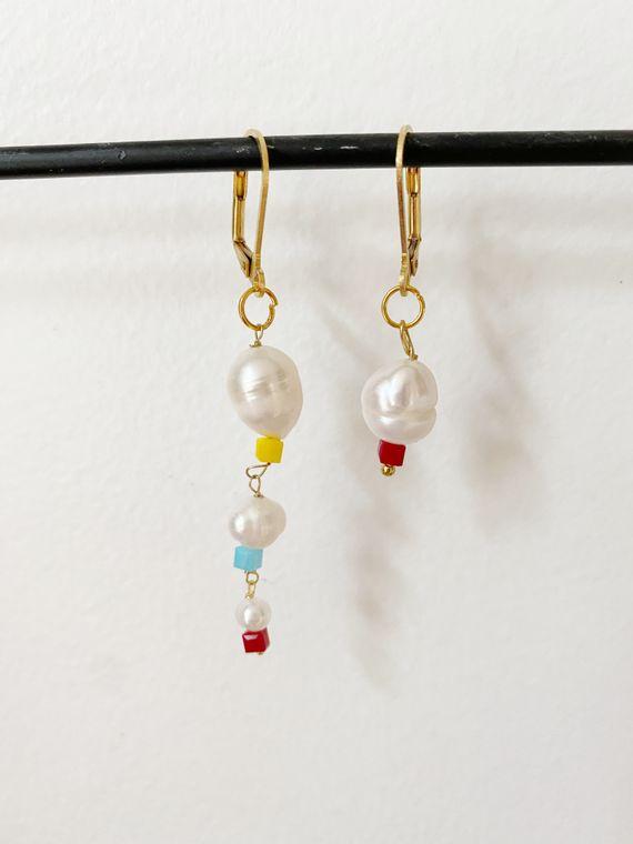 Asymmetrical Mismatch Pearl Earrings