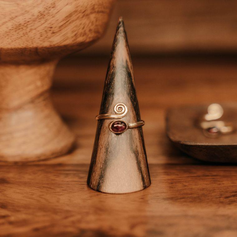 Garnet Rising Ring - Brass