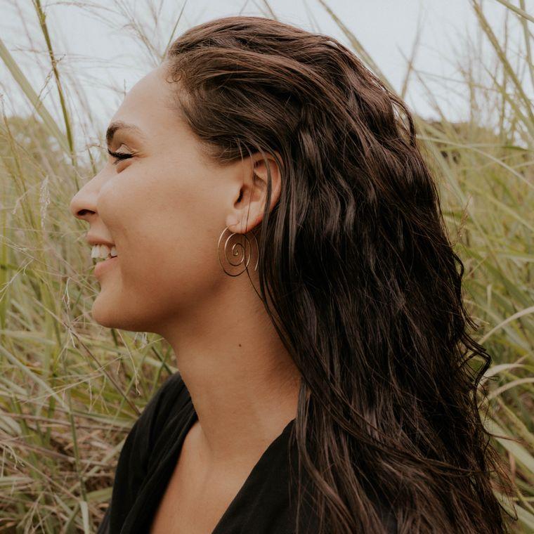 Fine Spiral Earrings - Brass