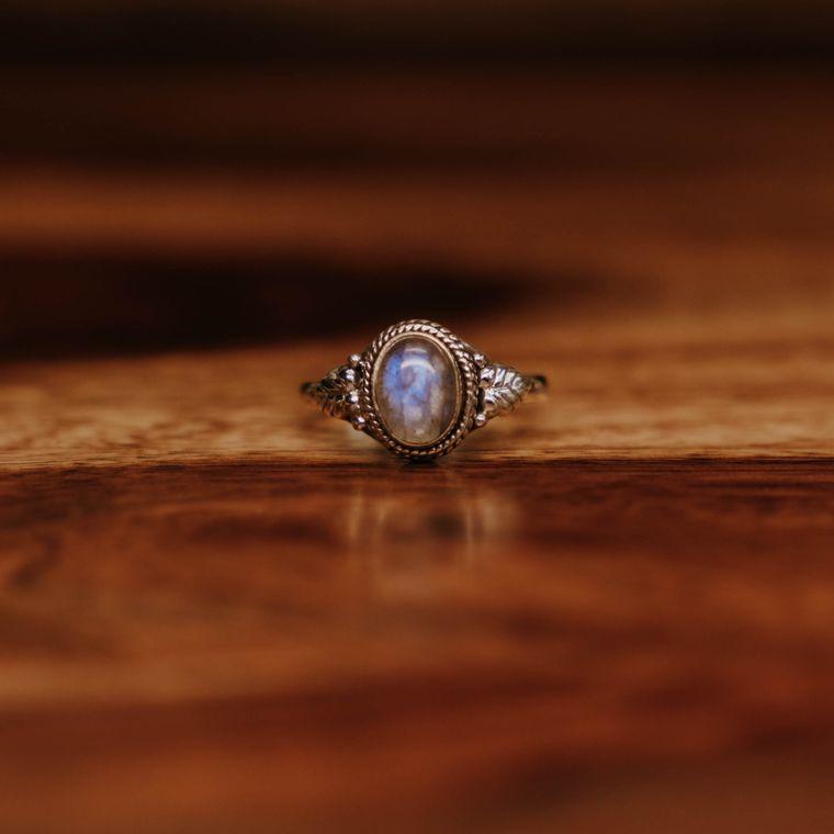 Labradorite Courtyard Ring - Sterling Silver
