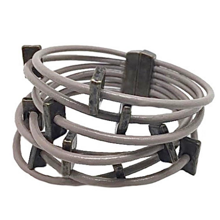 Hedy - Taupe leather bracelet with antique bronze rectangles