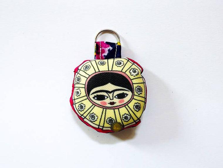 Frida Kahlo keynchain, tehuana