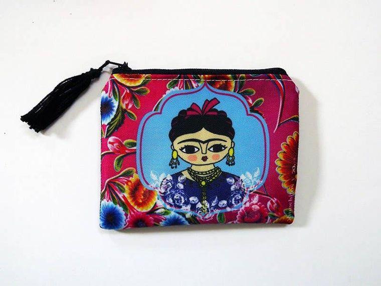 Frida Kahlo, fucsia purse