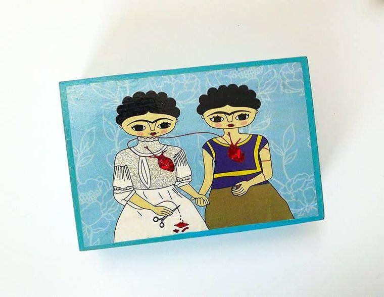 Frida Kahlo, big jewelry box, wooden box, 2 Fridas