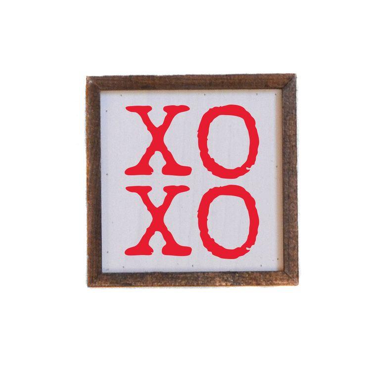 Valentine's Day - 6x6 XOXO Sign (red)