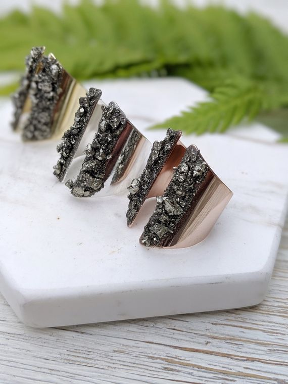 Wide Adjustable Ring Raw Stone Ring Pyrite Jewelry Pyrite Ring Rough Stone Ring Healing Ring Minimal Ring Stylish Ring Chunky Ring Dynamo