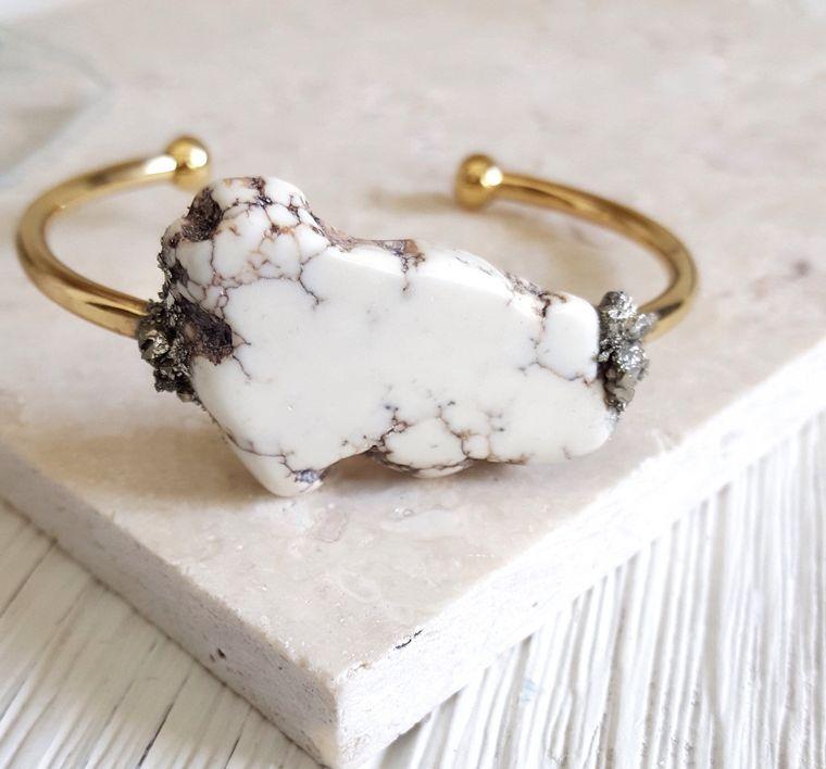 Howlite Bracelet Chunky Bracelet Marble Bracelet Calming Stone Boho Chic Cuff Bracelet Southwest Bracelet Protection Stone Dynamo