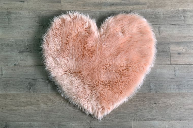Machine Washable Faux Sheepskin Blush Heart Area Rug