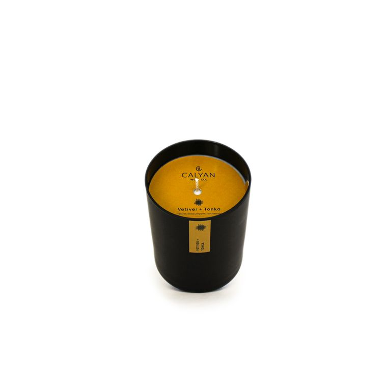 Black Tumbler Soy Candle - Vetiver / Tonka