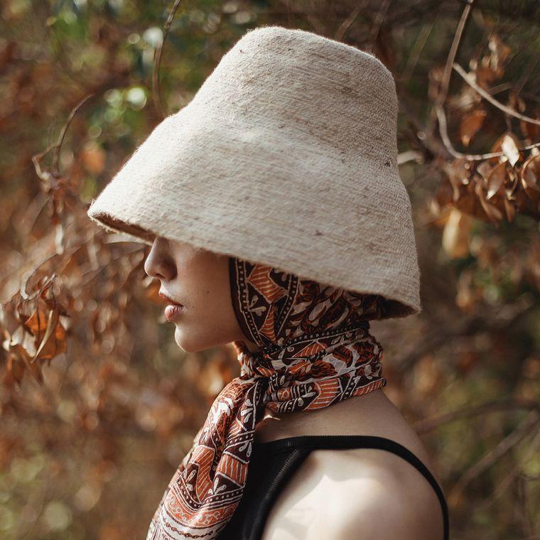 Naomi Jute Bucket Hat, in Beige (1-3 days)