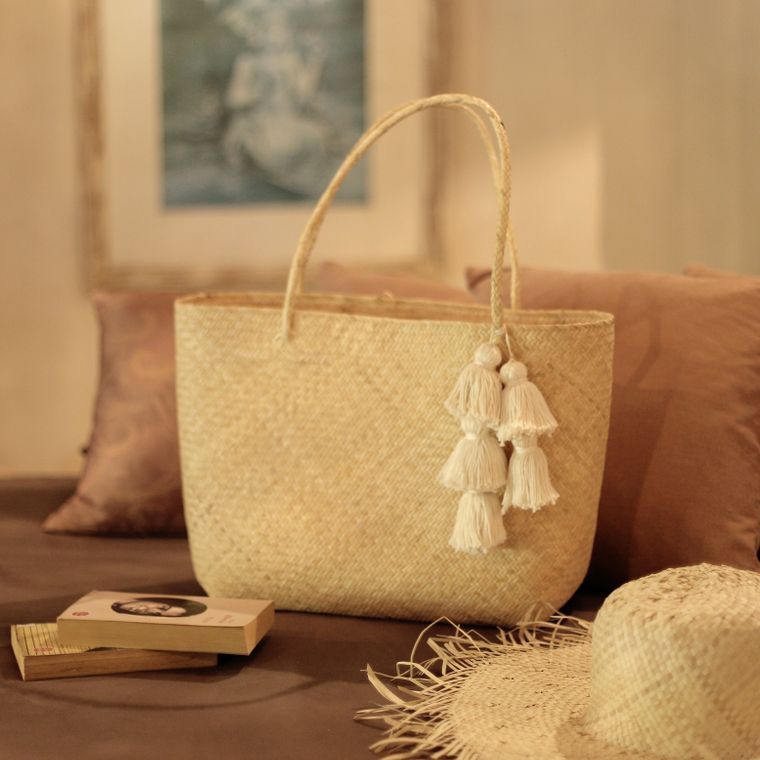 Borneo Sani Straw Tote Bag - with White Tassels (7-9 days)