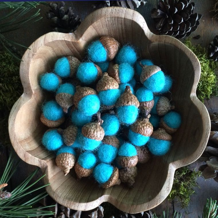 Felted wool acorn, Bright Turquoise