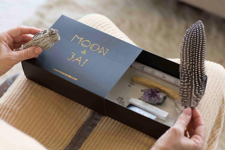 Healing Ritual Kit with Amethyst, clear quartz, selenite