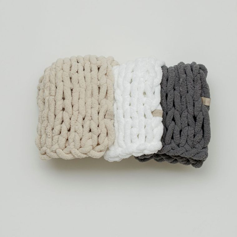 Infinite Chunky Knit Blanket - Cuddle