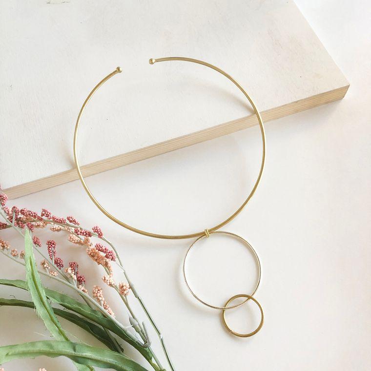 Encircled Collar Necklace
