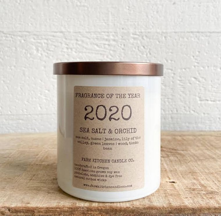 2020 FRAGRANCE OF THE YEAR soy candle- white