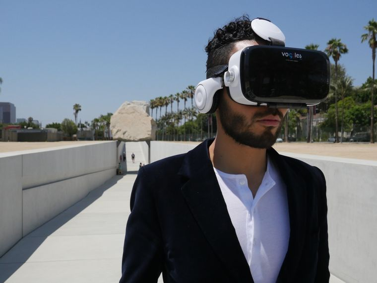 Voggles 3D Virtual Reality Headset for iPhone & Android