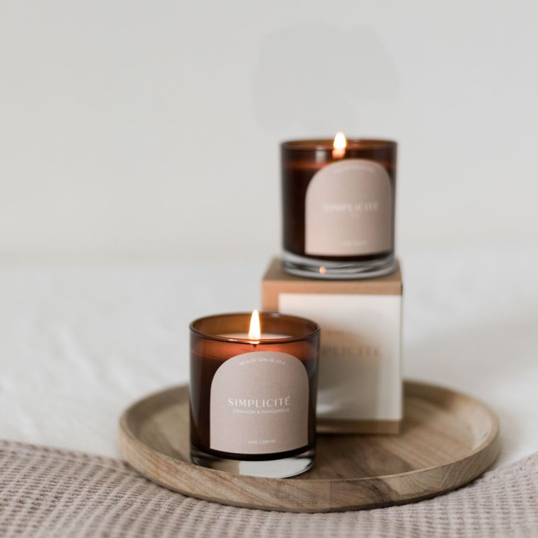 Simplicite Candle