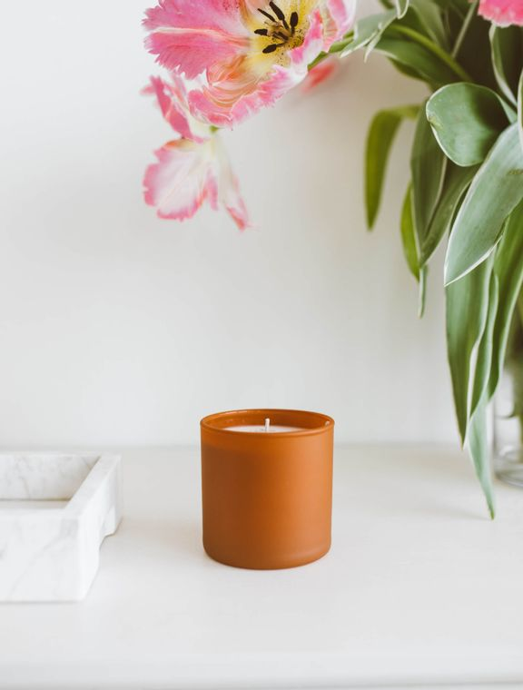 Dignity Series Soy Candle - Cedar / Tobacco
