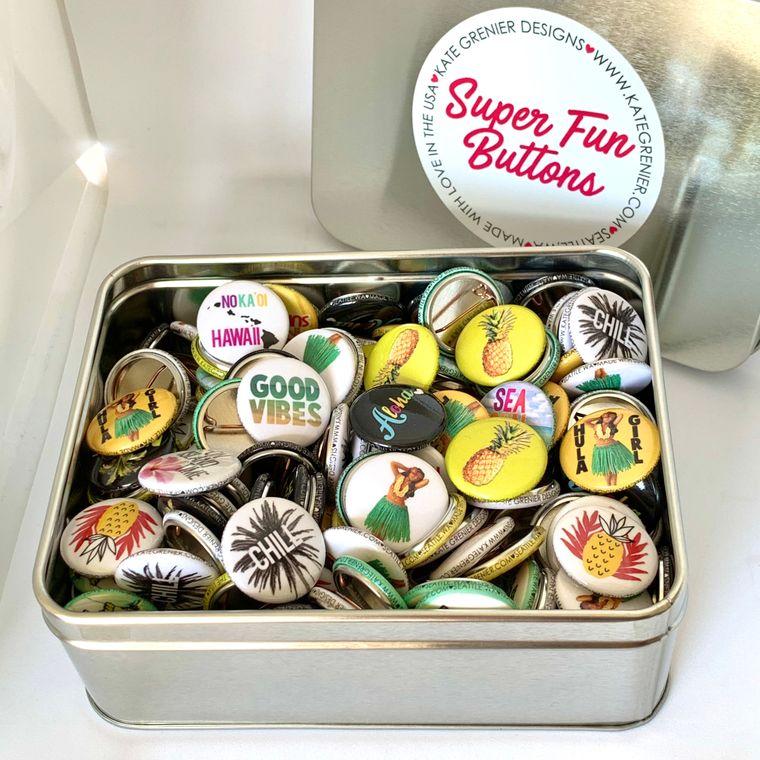 "Hawaii Button Tin of 200 1"" Buttons"