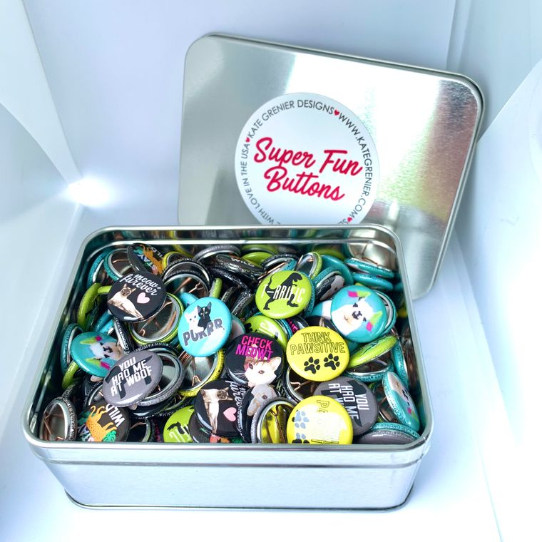 """Animal Button Tin of 200 1"""" Buttons"""