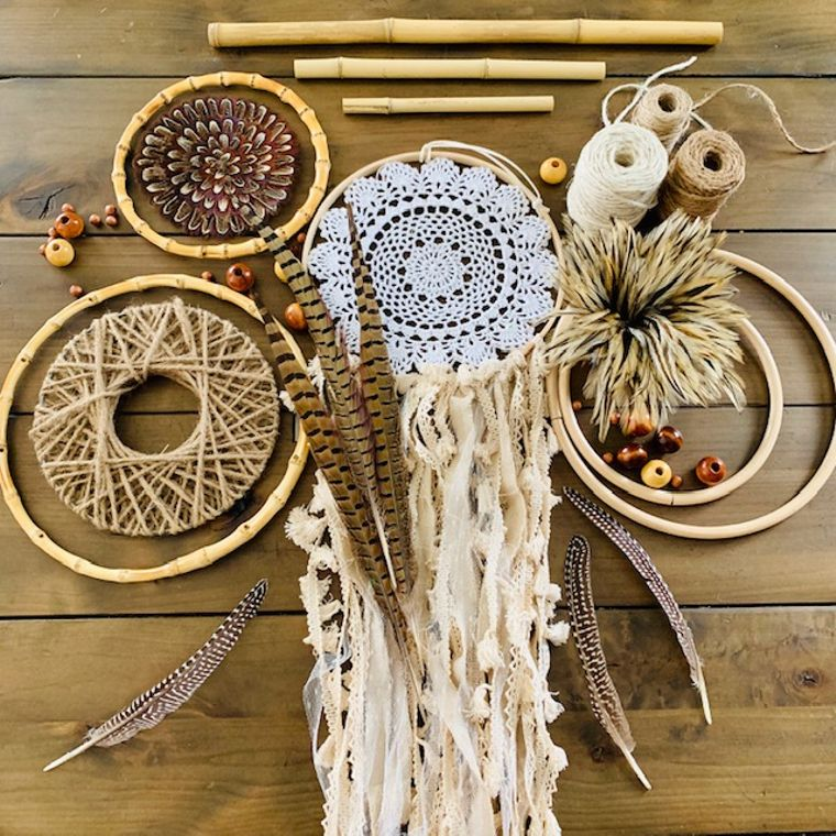 Macrame/Crafting/Feathers