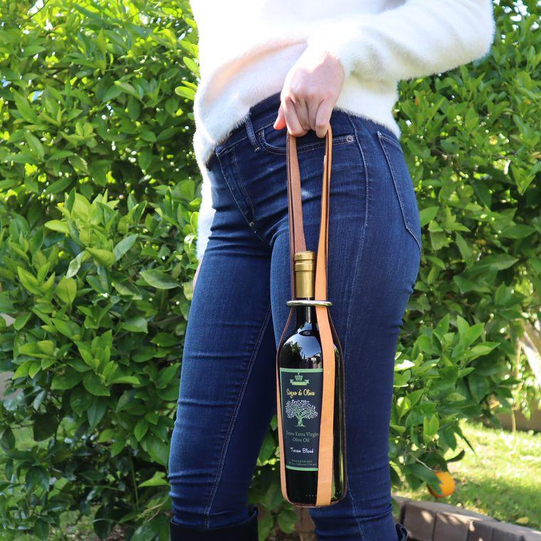 Tan Leather Wine / Olive Oil Carrier, Unique Wine Bag Single Bottle Carrier