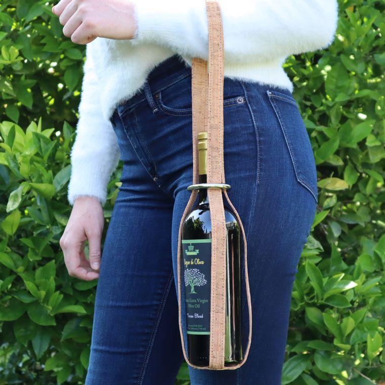 Cork Wine / Olive Oil Carrier, Unique Wine Bag Single Bottle Carrier Made with Genuine Cork