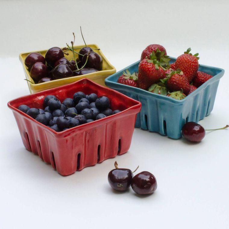 Small Ceramic Berry Baskets - ivory