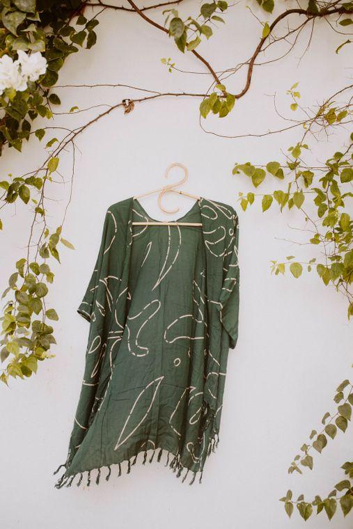 Monstera Kimono in Forest Green