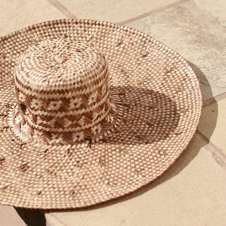 Borneo Tata Woven Hat, in Beige (1-3 days)