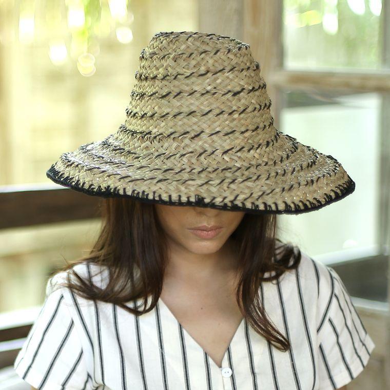Black Pecatu Crochet Hat (1-3 days)
