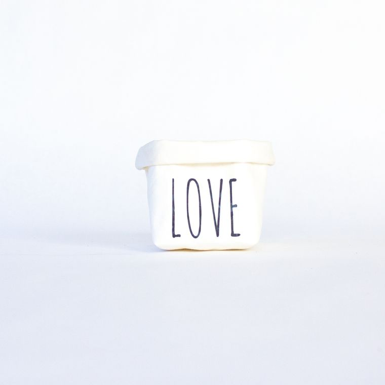 Love Mini Tiered Tray Paper Leather Pot