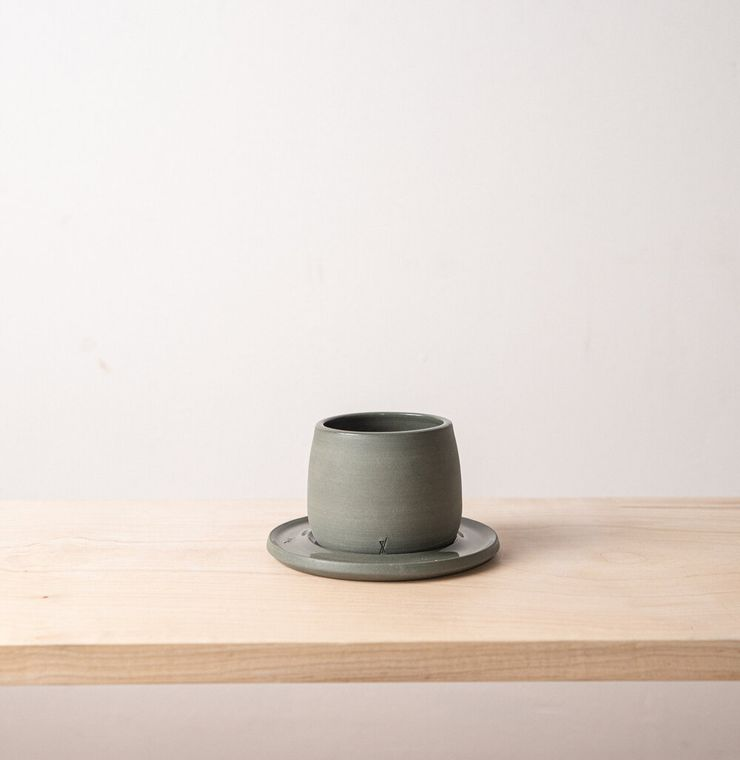 Small cup with saucer L'Insolence